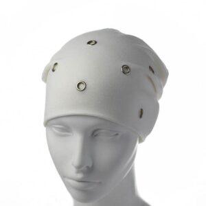 Молодежная шапка чулок с люверсами